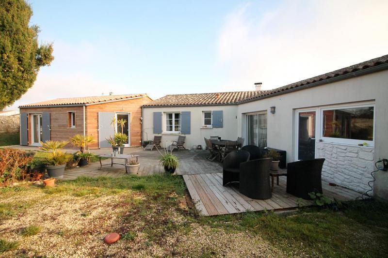 Location maison saint laurent de la pree immojojo for Garage ad st laurent de la plaine