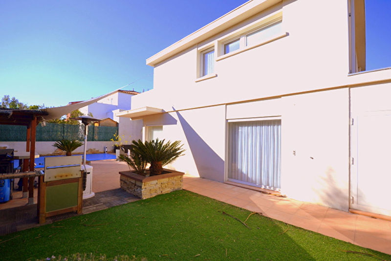 Villa maison cres piscine immojojo for Prix piscine 6x4