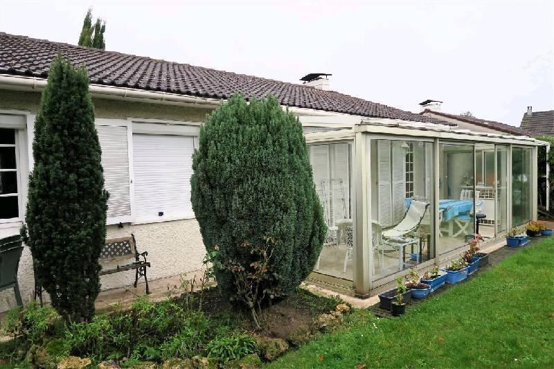 pavillon montigny cormeilles piscine immojojo. Black Bedroom Furniture Sets. Home Design Ideas