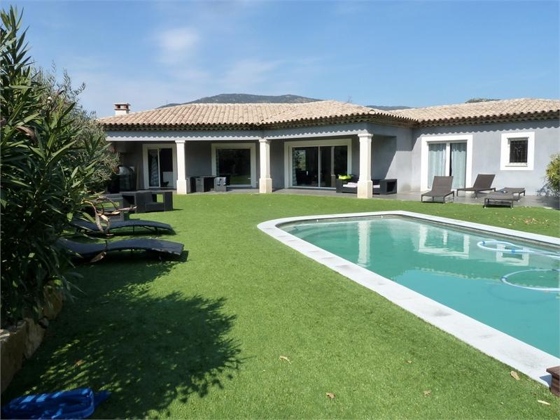 Maison, 300 m² A 5 m…