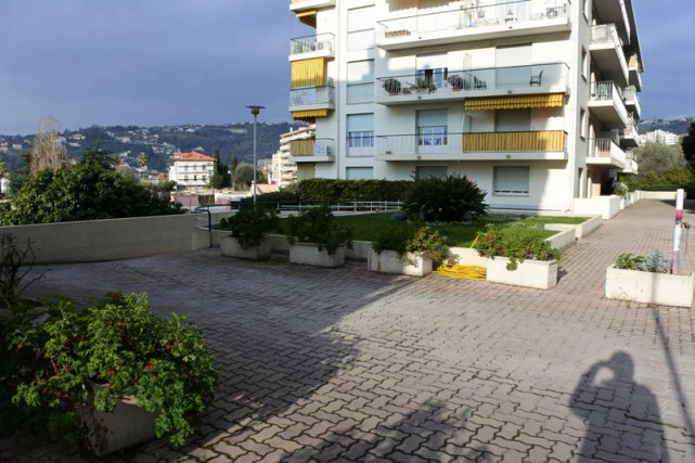 Location nice nord 3 pieces rez jardin immojojo for Location maison nice nord