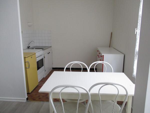 appartement f1 st etienne immojojo. Black Bedroom Furniture Sets. Home Design Ideas