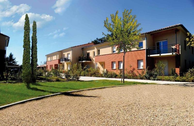 Fenouillet terrasse immojojo for Piscine fenouillet