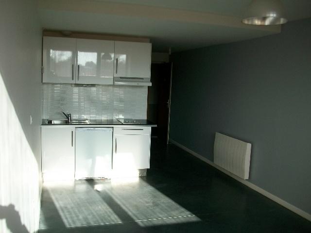 location residence rue roubaix immojojo. Black Bedroom Furniture Sets. Home Design Ideas
