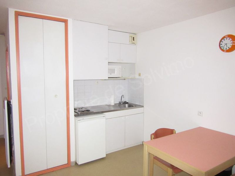 Location studio meuble avignon 300 euros immojojo for Location meuble avignon