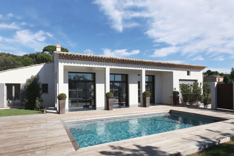 Plan terrain 200 m2 piscine immojojo for Maison moderne 300m2