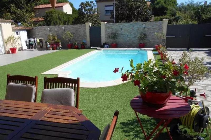 Villa maison cres piscine immojojo for Piscine le cres