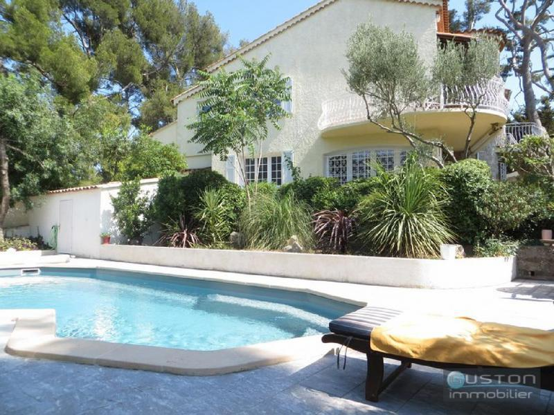 Terrasse panoramique toulon piscine immojojo - Piscine debordement mer toulon ...