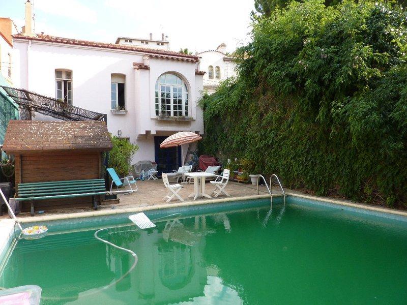 maison plain pied piscine perpignan 66 immojojo. Black Bedroom Furniture Sets. Home Design Ideas