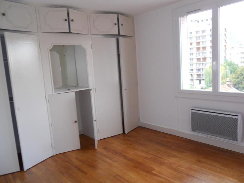 location studio cabine douche wc meuble immojojo. Black Bedroom Furniture Sets. Home Design Ideas