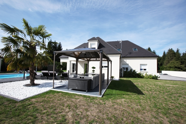 maison montargis piscine immojojo. Black Bedroom Furniture Sets. Home Design Ideas