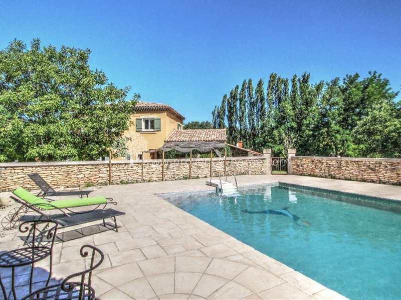 Petits jardin piscine terrasse immojojo for Piscine jardin 100m2