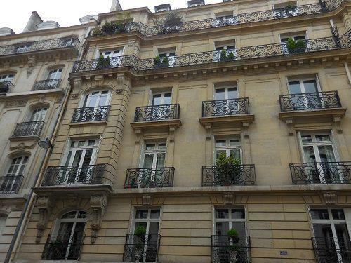 paris balcon immeuble ancien chauffage collectif immojojo. Black Bedroom Furniture Sets. Home Design Ideas