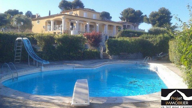 villa maison pennes mirabeau piscine immojojo. Black Bedroom Furniture Sets. Home Design Ideas