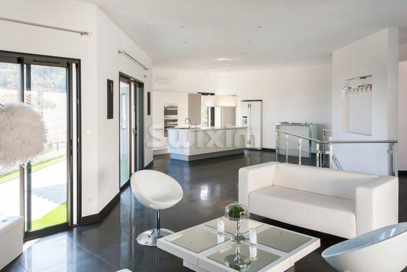 Maison, 182 m² Réf :…