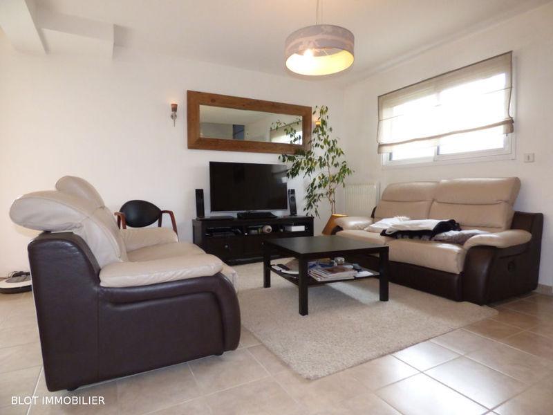 location appartement guichen bourg des comptes immojojo. Black Bedroom Furniture Sets. Home Design Ideas