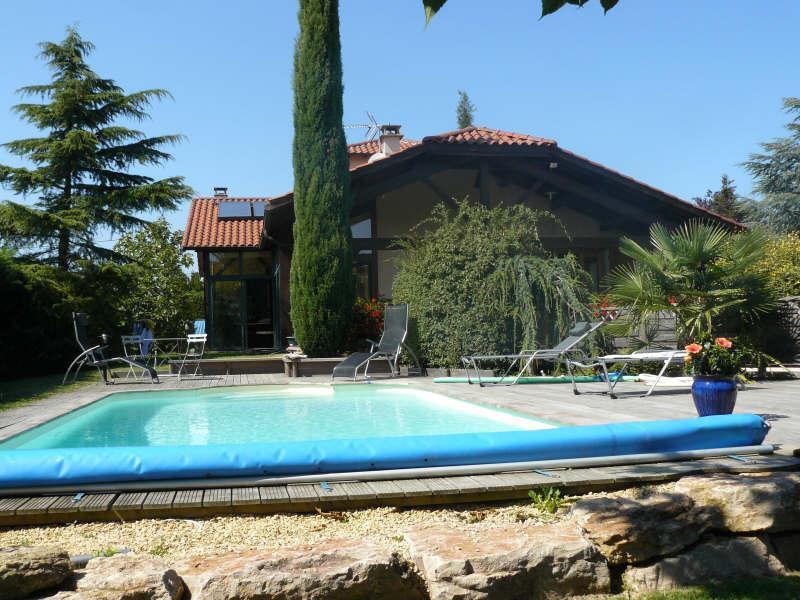 Tomettes jardin exterieur piscine immojojo for Jardin 38200