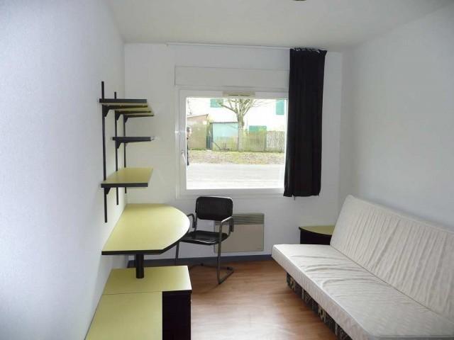 location residence studio meuble ville poitiers immojojo. Black Bedroom Furniture Sets. Home Design Ideas