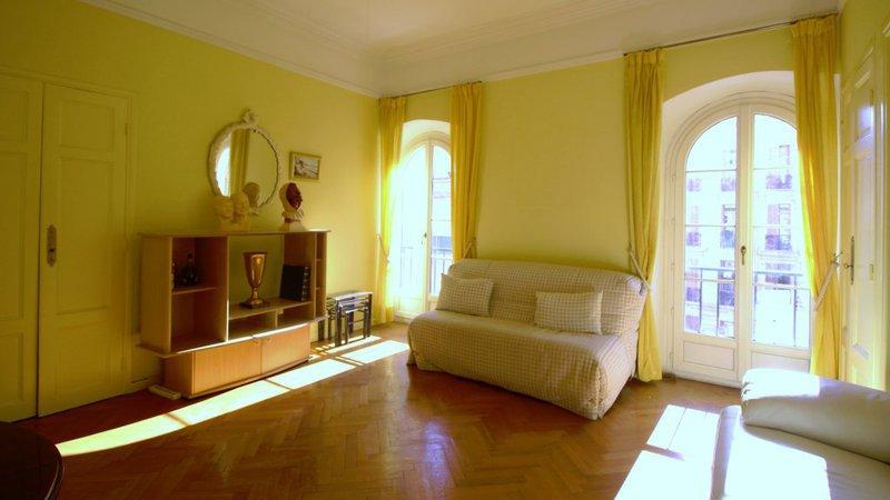 appartement 3 pieces nice nord terrasse dernier etage immojojo. Black Bedroom Furniture Sets. Home Design Ideas
