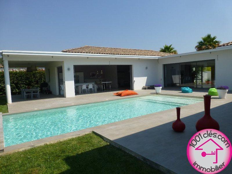 Maison mauguio terrasse piscine immojojo for Piscine mauguio