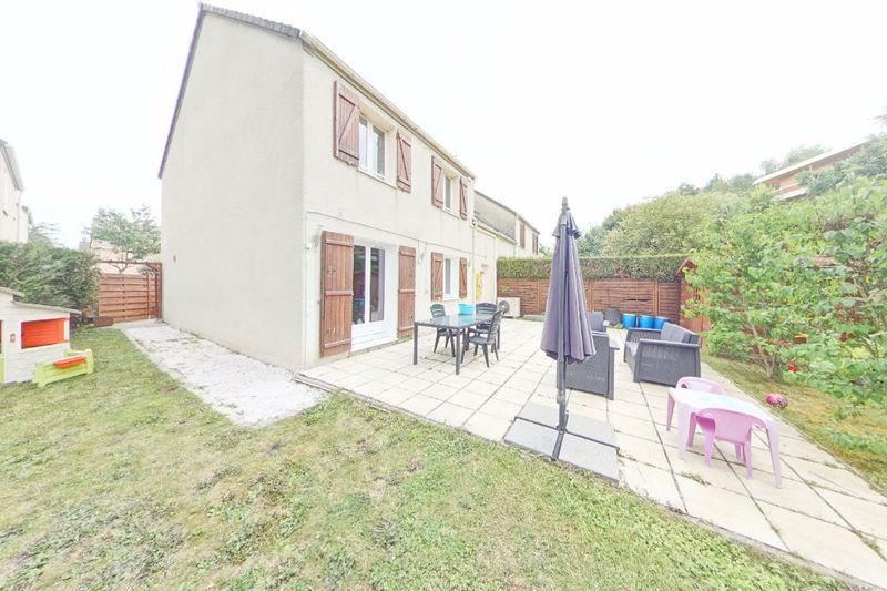Maison domont garage immojojo for Le jardin domont