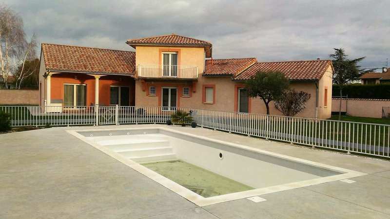 Peage france piscine immojojo for Cash piscine bourg de peage