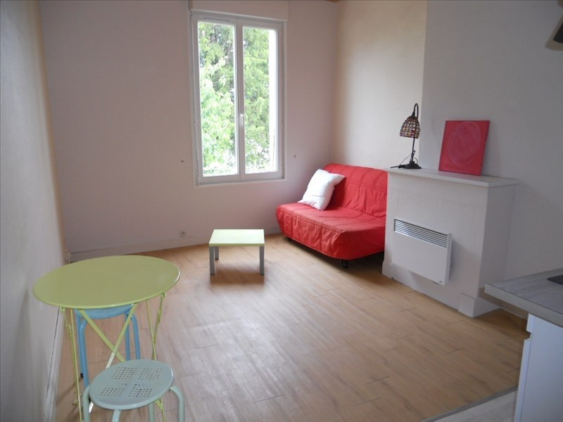 location niort centre meuble immojojo. Black Bedroom Furniture Sets. Home Design Ideas