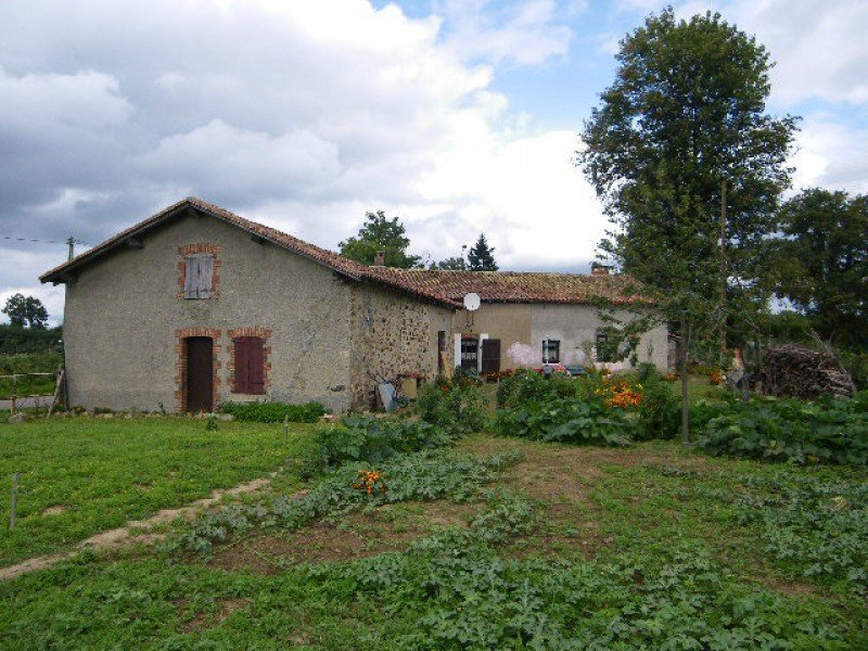 Ancienne maison renover haute vienne immojojo for Renover son garage