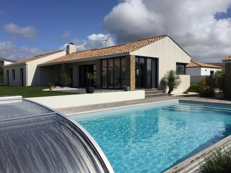 location maison jardin croix garage piscine immojojo. Black Bedroom Furniture Sets. Home Design Ideas