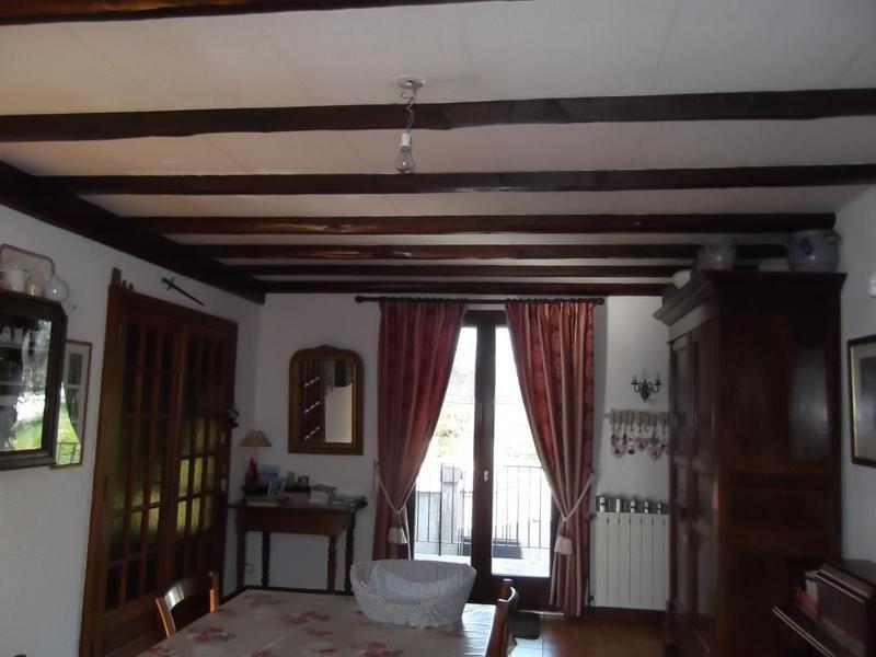 Porte separation salon couloir immojojo for 70180 dampierre sur salon