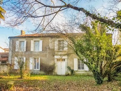 Vieille maison campagne charente immojojo for Jardin facile cognac