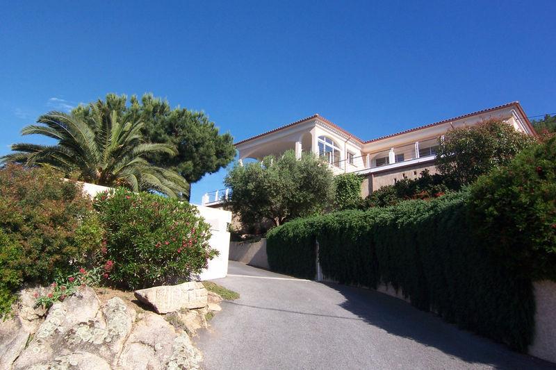 Maison, 520 m² Avec …