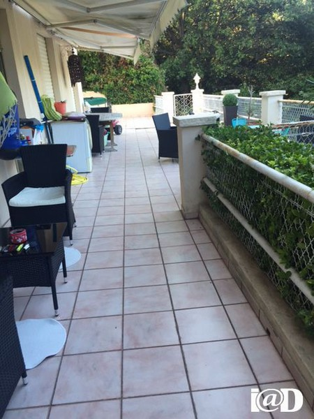Appartement grande terrasse var jardin immojojo for Canape 06700