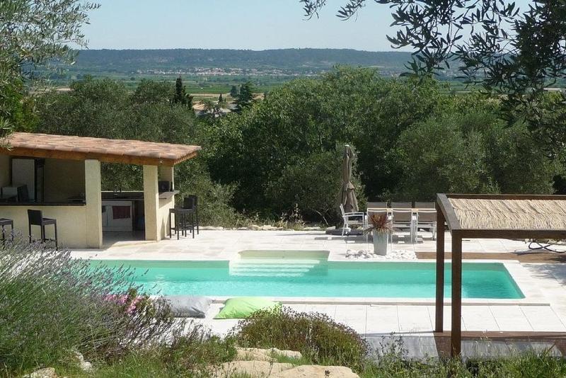 Agence vaunage piscine immojojo for Piscine calvisson