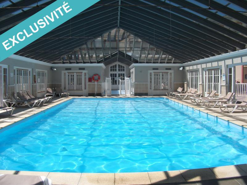 Cabine wc exterieur piscine immojojo for Piscine 75017