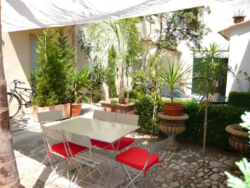Location antibes jardin terrasse immojojo for Restaurant jardin antibes