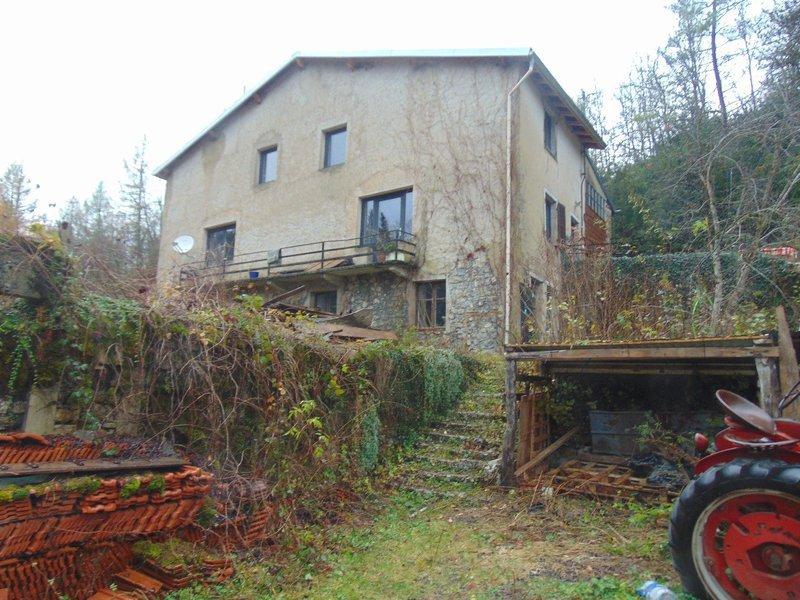 Maison ancienne isolee montagne immojojo for Garage moirans en montagne