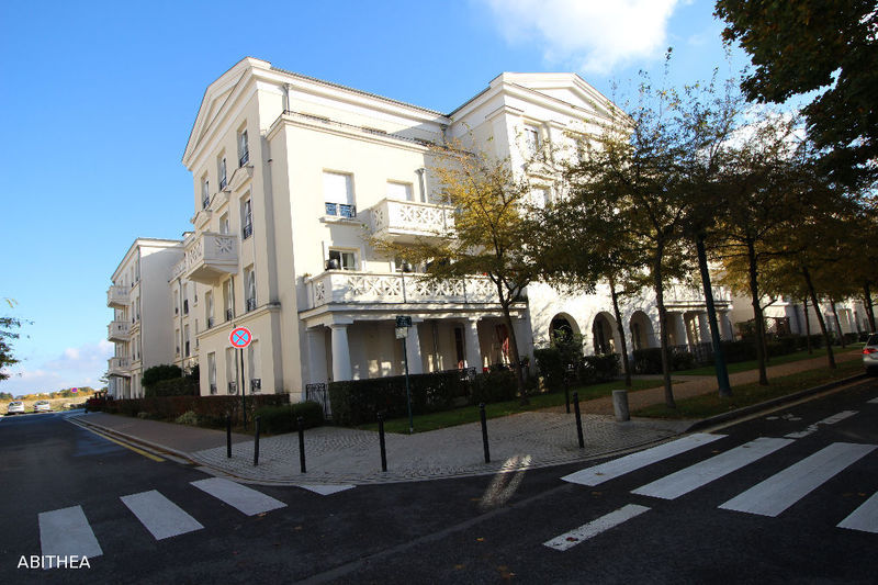 Appartement f4 serris immojojo for Achat maison val d europe