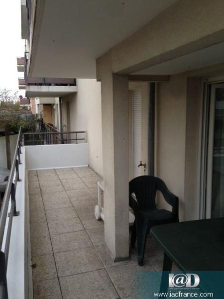 Maison marne chelles terrasse piscine immojojo for Garage peugeot chelles 77500