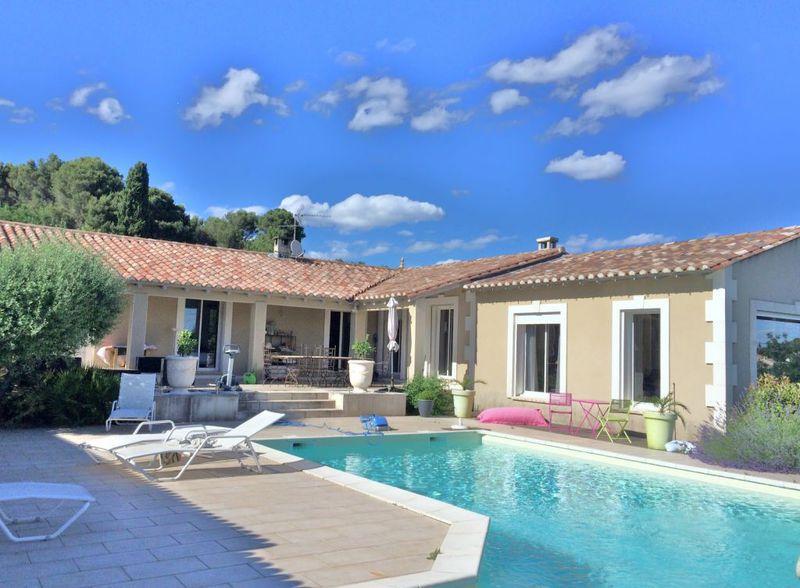 Villa beaucaire piscine immojojo for Beaucaire piscine