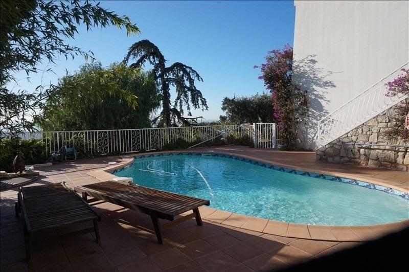 Villa vue mer sud toulon piscine immojojo - Piscine debordement mer toulon ...