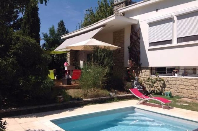 grange renovee 46 piscine immojojo. Black Bedroom Furniture Sets. Home Design Ideas
