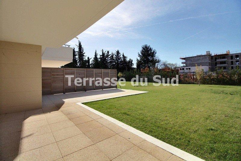 Appartement grande terrasse marseille t4 immojojo for Appartement grande terrasse