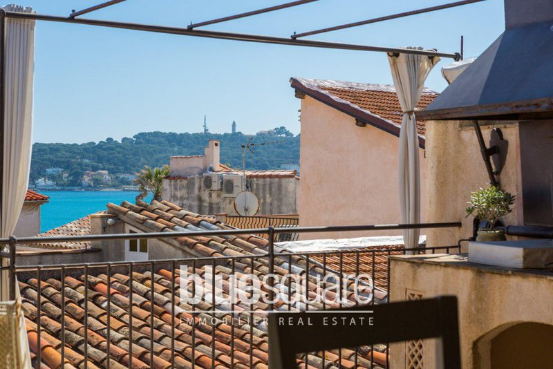 Location maison ville antibes terrasse immojojo for Antibes location maison