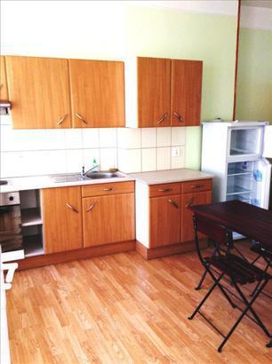 location st quentin studio meuble immojojo. Black Bedroom Furniture Sets. Home Design Ideas