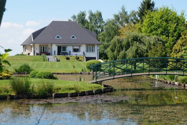Villa piscine ennetieres weppes immojojo for Piscine weppes
