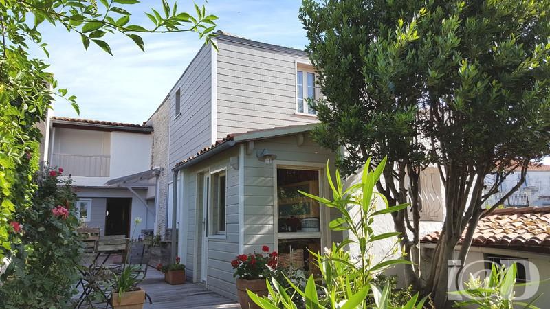 Location 3 chambres rochelle garage jardin immojojo for Garage ad la rochelle