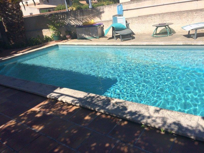 Ville marignane piscine immojojo for Piscine 3 villes