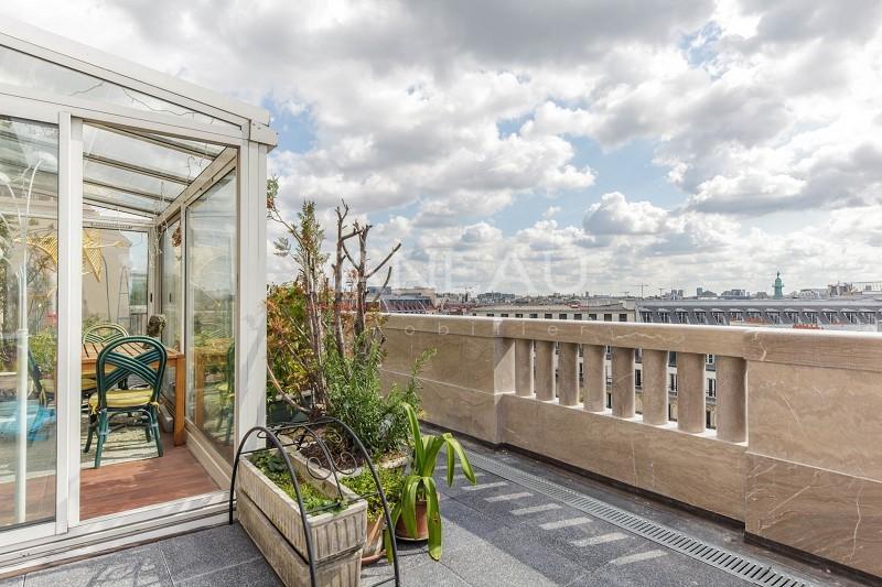 Chalet paris terrasse veranda immojojo for Deco appartement 1900