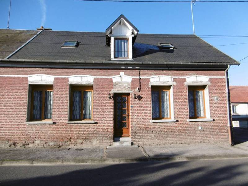 Maison terrain potager garage jardin immojojo for Garage ford saint quentin 02100